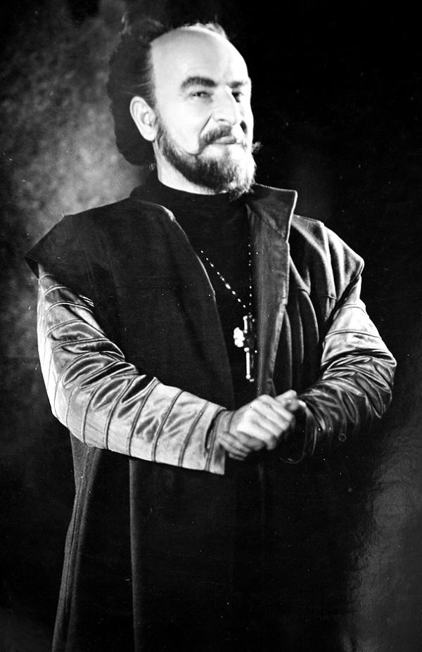 Петър Василев: Коронна роля - Исак от Иванко на Васил Друмев